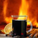 Feuerzangenbowle im Glas mit Henkel